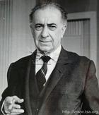 Vasfi Riza Zobu